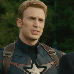 Rogers le habla a Stark sobre su decisión.