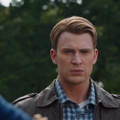 Rogers supervisa el regreso de Loki a Asgard.