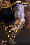 Thanos Hot Toys 15