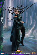 Marvel-thor-ragnarok-hela-sixth-scale-hot-toys-903107-02