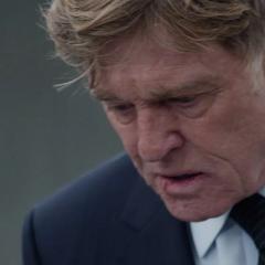 Pierce confundido por el acto de Romanoff.