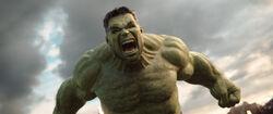 Thor Ragnarok-HulkIsBackToFight