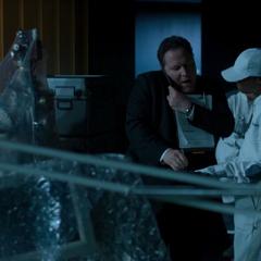 Hogan supervisa la mudanza de la Torre de los Vengadores.