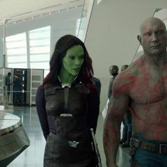 Gamora habla con Drax acerca de Ronan.