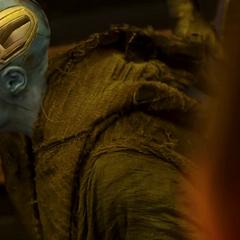 Nebula es entregada por los Soberanos a los Guardianes.