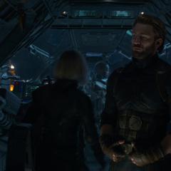Rogers en el Quinjet con los otros Vengadores.
