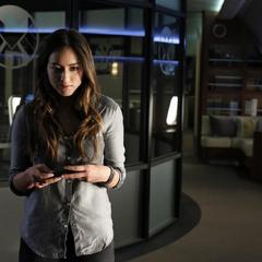 Skye reflexiona sobre su futuro como agente de S.H.I.E.L.D.