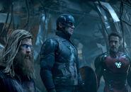 Thor Steve & Tony Endgame