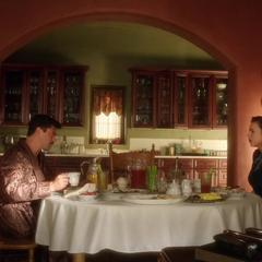 Stark y Carter desayunando en la hacienda.