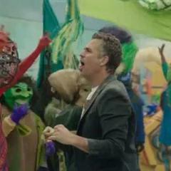 Banner durante el desfile de Hulk.