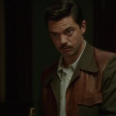 Stark bromea sobre la vida de Carter.