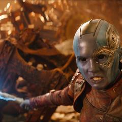 Nebula llega a Titán para enfrentar a Thanos.