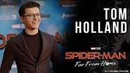 Spider-Man star Tom Holland avoids spoilers on the Spider-Man Far From Home red carpet!