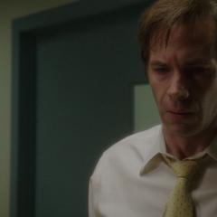 Jarvis conversa con el Doctor Chung.