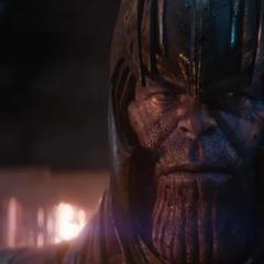 Thanos sospecha sobre las transmisiones holográficas de Nebula.
