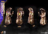 Infinity Gauntlet Hot Toys 2