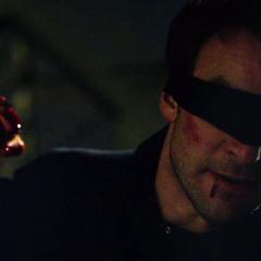 Murdock hace justicia contra el abusador.