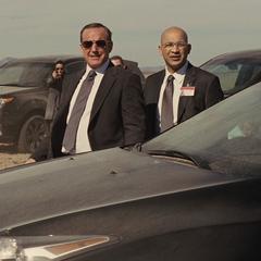 Sitwell y Coulson ven llegar al Destructor.