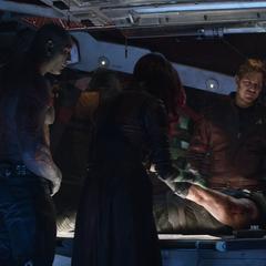 Quill y los Guardianes salvan a Thor.