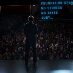Stark dando un discurso en el MIT.