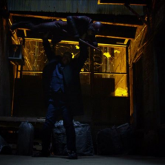 Daredevil es casi derrotado por Fisk.