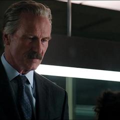 Ross le encarga a Stark arrestar a la rebelión de Rogers.