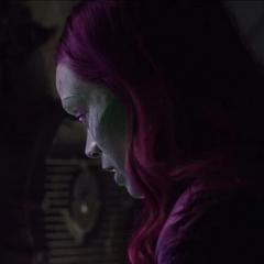 Gamora revela su pasado con Thanos.
