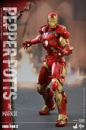Iron Man Mark IX and Pepper Hot Toys 14