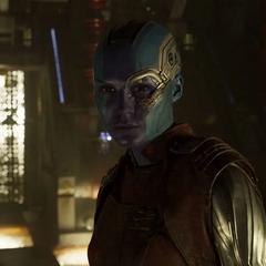 Nebula escucha las disculpas de Gamora.