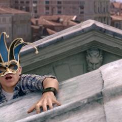 Parker se pone una máscara de carnaval antes de unir fuerzas con Beck.