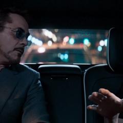 Parker hace un trato con Stark.