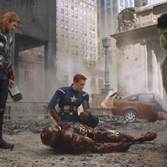 Rogers y los Vengadores consiguen detener la invasión.