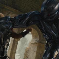 Thor es confrontado por Ultrón.