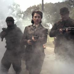 Carter y sus aliados asaltan la base de HYDRA.