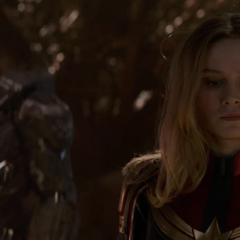 Danvers es testigo de la muerte de Thanos.