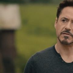 Stark debatiendo con Rogers sobre la creación de Ultrón.