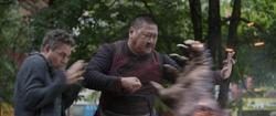 Wong cuts Cull Obsidian's hand