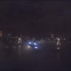 Romanoff llega a Tokio en un Quinjet.