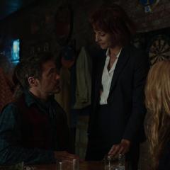 Brandt trata de arrestar a Stark.