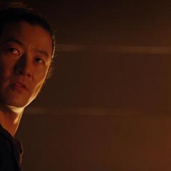 Hogun sugiere que Loki ayudó a Laufey.