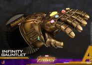 Infinity Gauntlet Hot Toys 6