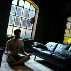 Murdock meditando.