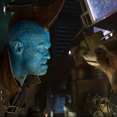 Rocket y Yondu continúan discutiendo.