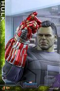Hulk Nano Gauntlet Hot Toys 4