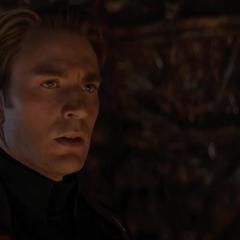 Rogers le pregunta a Thanos por las Gemas del Infinito.