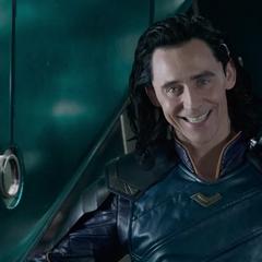 Loki traiciona a Thor para obtener la recompensa por su captura.