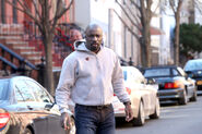 Mike Colter Luke Cage BTS 34