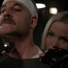 Ruby amenaza con ejecutar a Talbot.