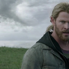 Thor culpa a Loki por la pérdida de Odín.