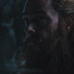 Volstagg vigila el entorno en Jotunheim.
